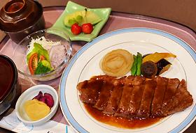 和風ステーキ御膳 2,200円(税込2,420円)