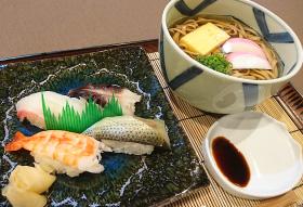 にぎり寿司と岩国蓮根麺のセット
